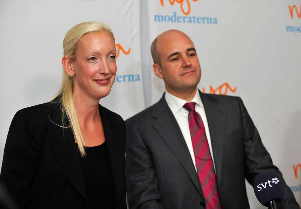 Partisekreteraren Sofia Arkelsten och partiledaren Fredrik Reinfeldt försöker ta åt sig äran för att ha skapat välfärdsstaten.