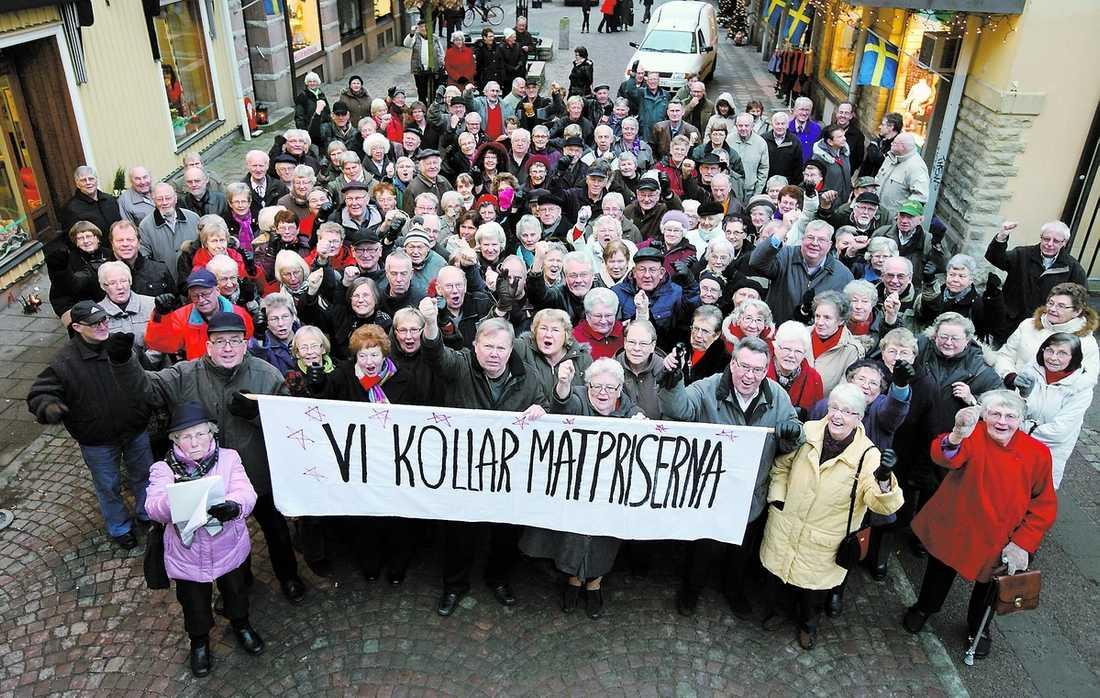 seniorer med örnkoll Bert Karlssons stormtrupper har tröttnat på handelns ständiga