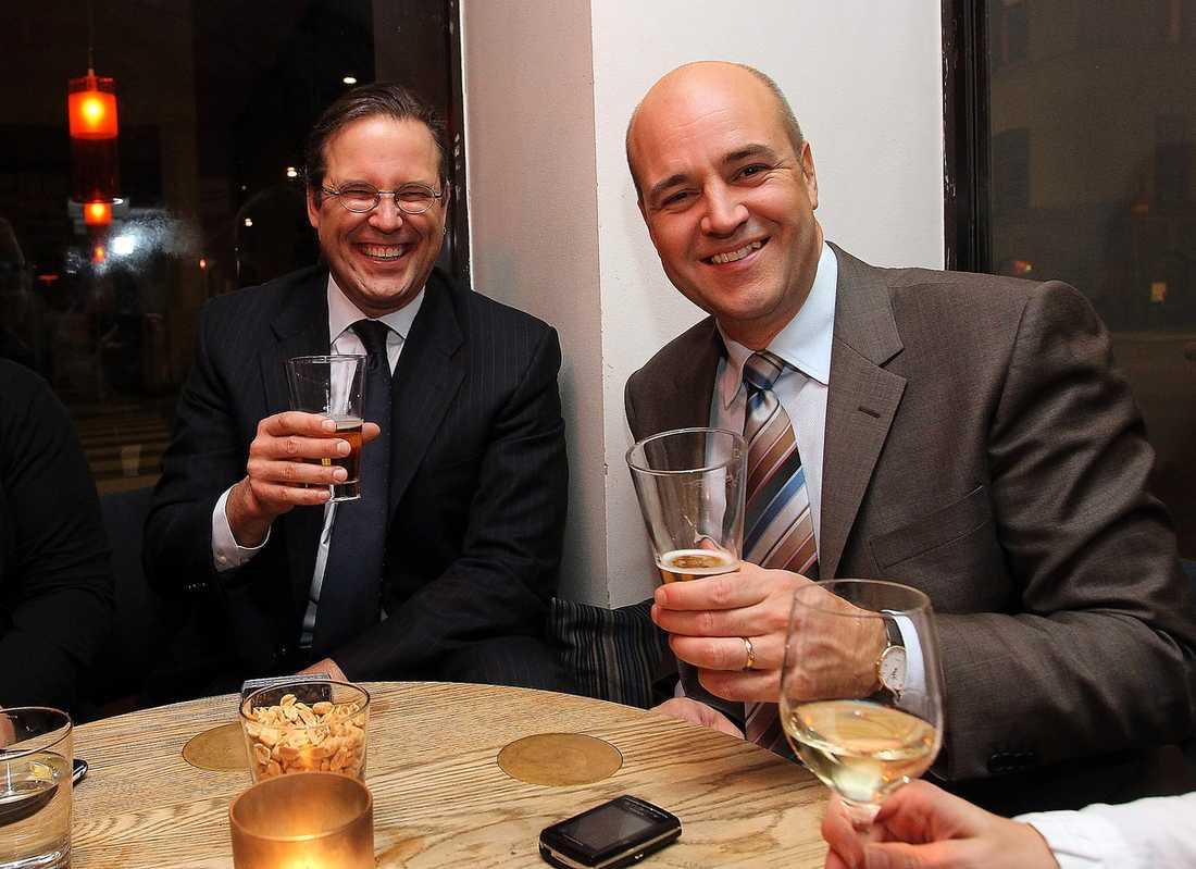 Fredrik Reinfeldt blir i år nedpetad till andraplatsen medan Carl Bildt ligger kvar på en stabil tredjeplats.