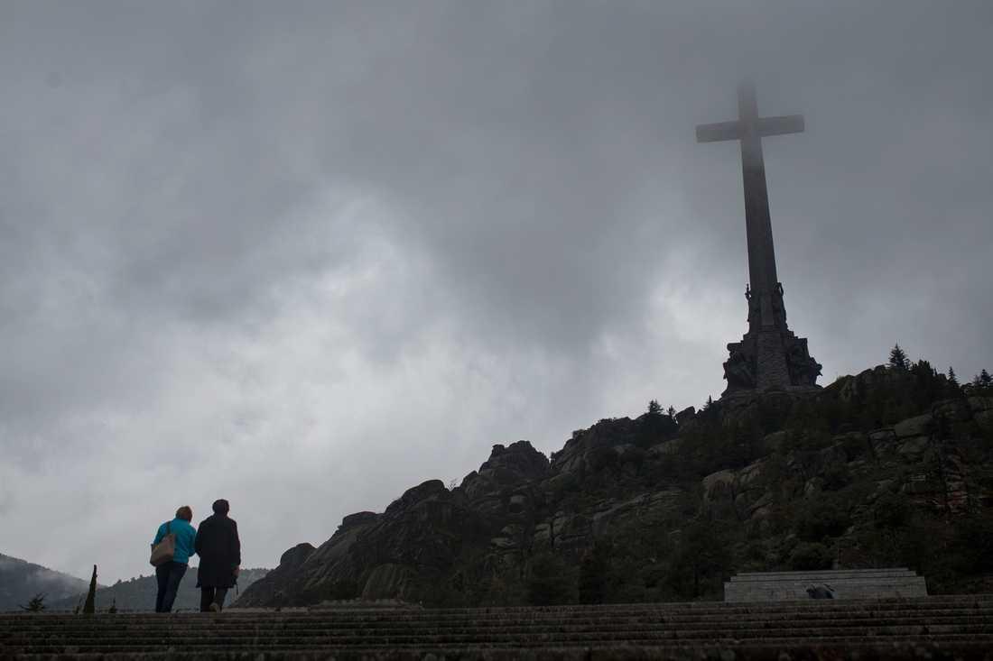 Monumentet vid De stupades dal där Spaniens forne diktator Francisco Franco ligger begravd. Arkivbild.