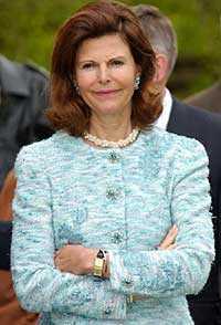 Drottning Silvia berättade i radions P4 bland annat att hon inte känner någon kvinna som blivit misshandlad men skulle reagera om någon blev utsatt.