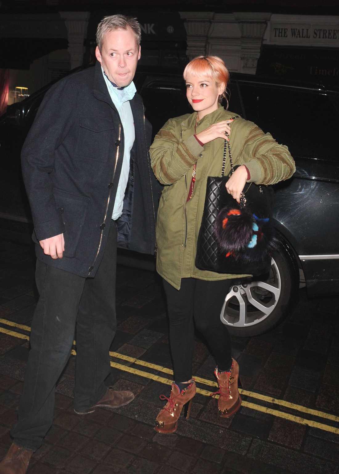 Lily Allen med maken Sam Cooper.