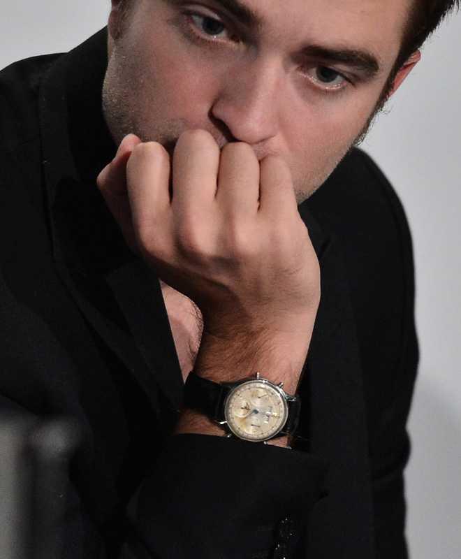 Robert Pattinson uppges också vara förkrossad över flickvännens otrohet.