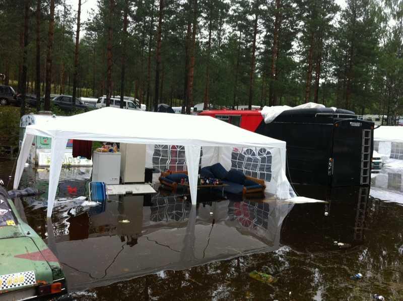 LÄGE VID VATTEN  Lena Ivarsson, 54, hade flyt när hon hittade det vinnande värsta vädermotivet på en campingplats i Sölje i Värmland.