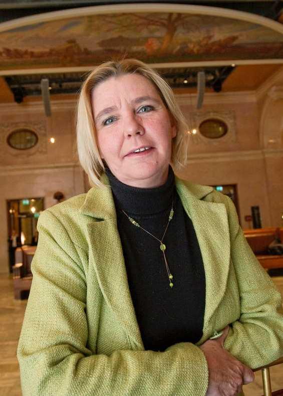 Alice Åström (V).
