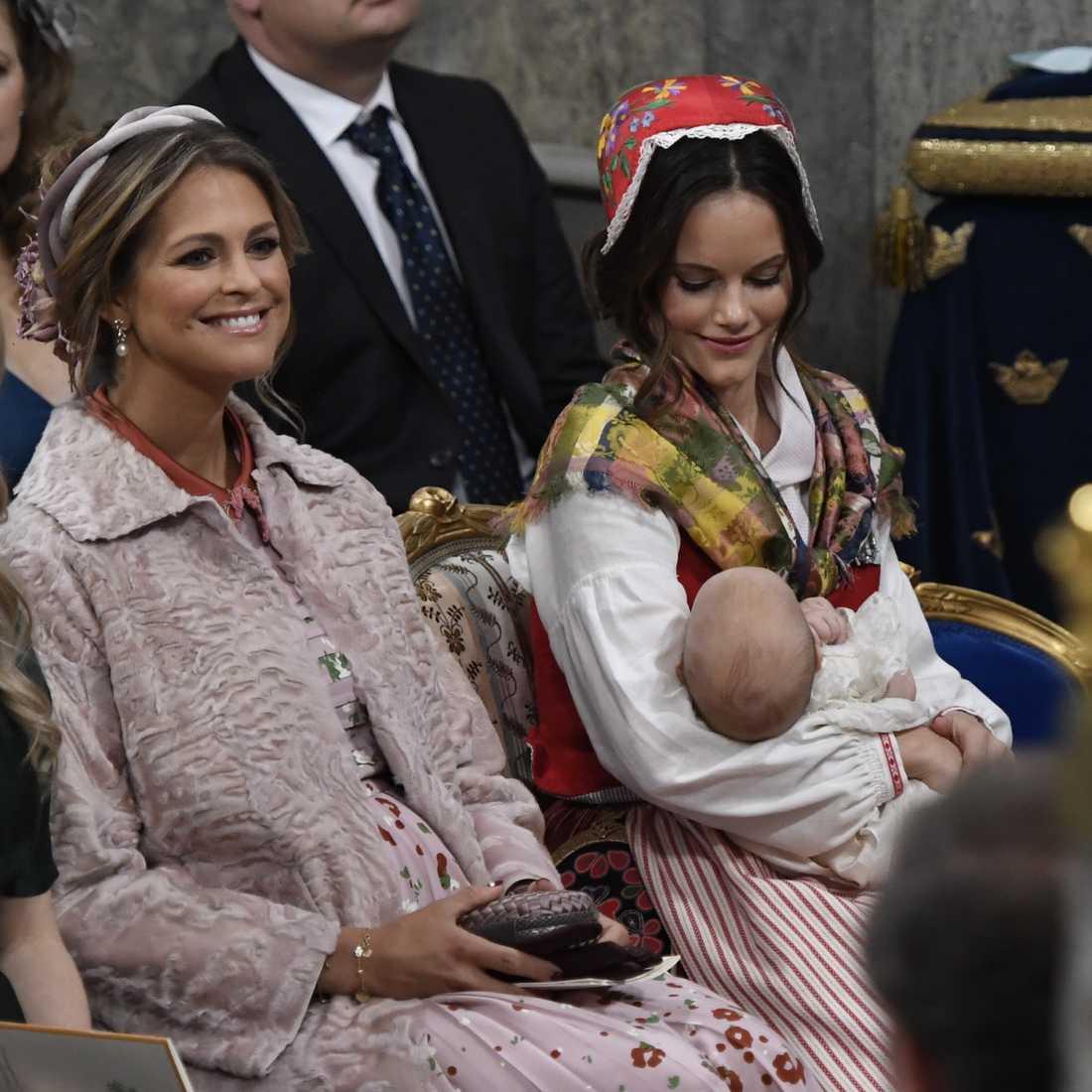 Prinsessan Madeleine i kyrkan under prins Gabriels dop.