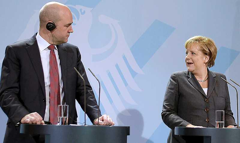 """INGEN LÖSNING När bankerna i Irland föll som käglor fick EU rycka in som räddaren i nöden. Fredrik Reinfeldt pratade om """"de nödvändiga reformerna"""", oklart vilka. Angela Merkel vill att de länder som strular med ekonomin ska budgetsaneras till lydnad."""