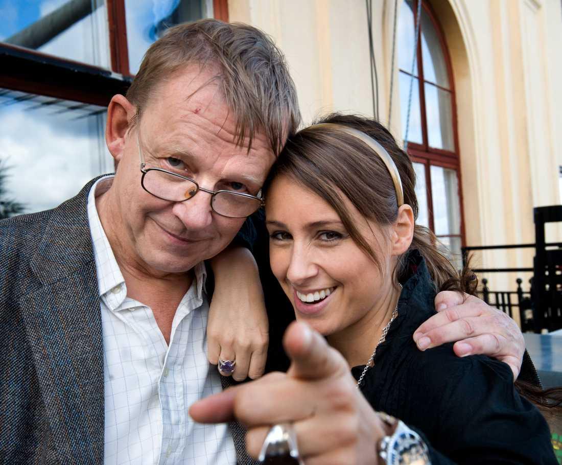 """Hans Rosling med Doreen Månsson inför att de deltog i """"På Spåret""""."""