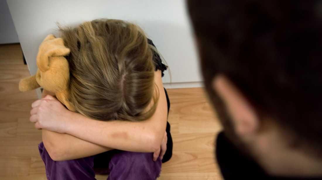 Regeringen föreslår att preskriptionstiden för våldtäkt mot barn och könsstympning av flickor ska slopas. Arkivbild.
