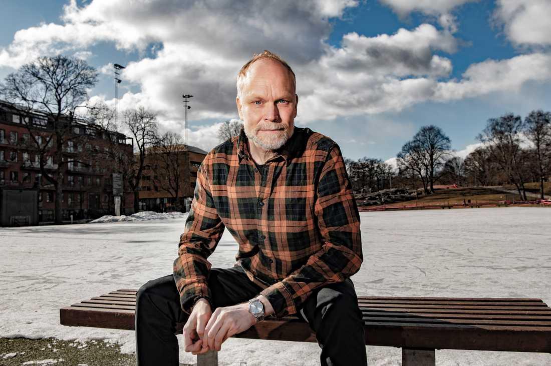 """Kristian Luuk är aktuell med """"Veckans ord med Kristian Luuk""""."""