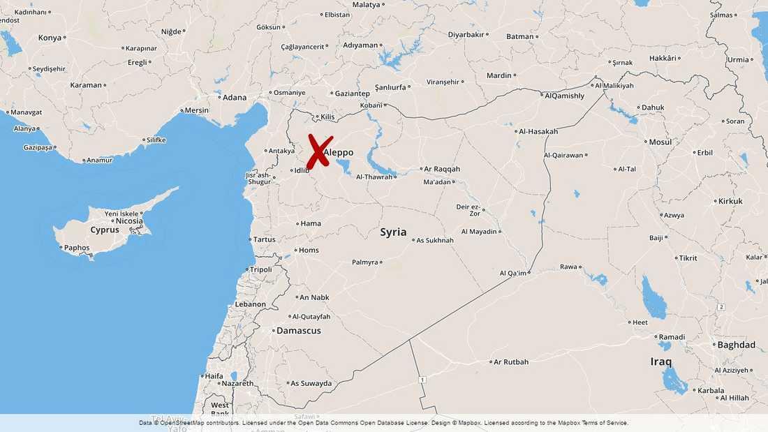 Flera civila har dödats och skadats i raketattacker i staden Aleppo i norra Syrien.