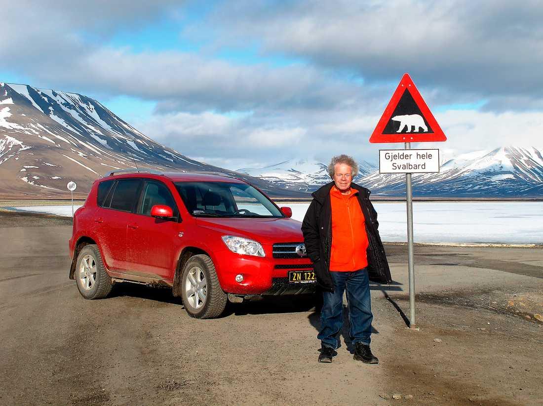 Toyota-handlaren på Svalbard hade en Rav4 att hyra ut.