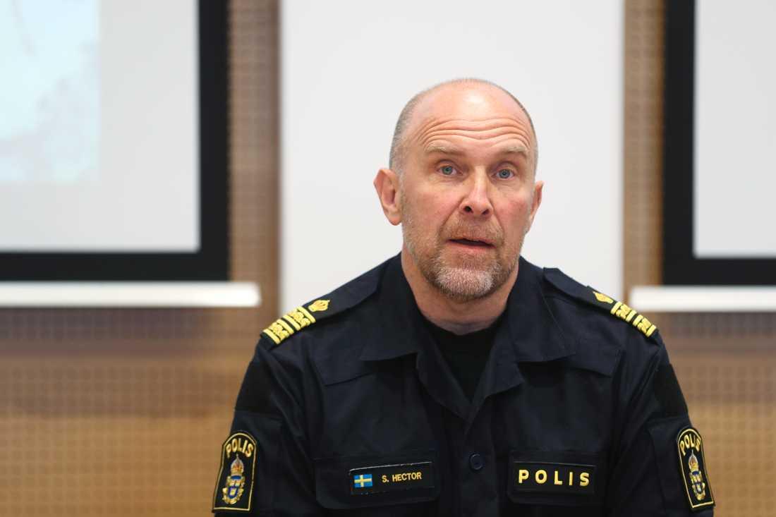 Stefan Hector, nationell kommenderingschef för Operation rimfrost, under en presskonferens i Malmö.