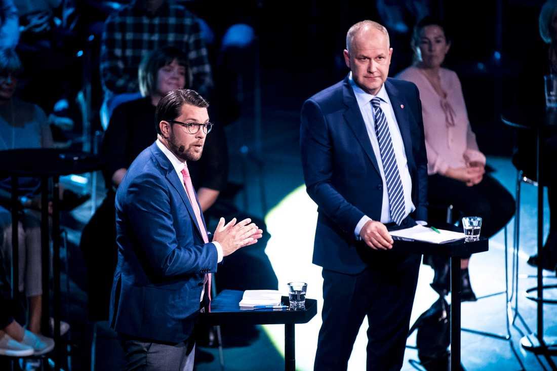 """Jimmie Åkesson (SD) anklagade Jonas Sjöstedt (V) för """"saft och bulle-mentalitet""""."""