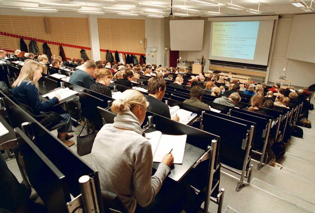 Antal studenter vid statliga universitet och högskolor som stängs av eller varnas ökar kraftigt. Arkivbild.