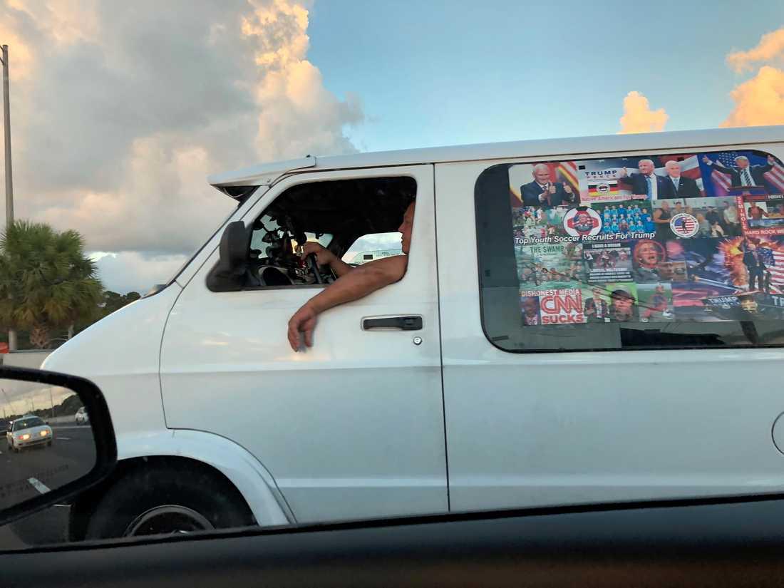 Bild tagen den 18 oktober, som tros föreställa Sayoc i bilen som beslagtogs.