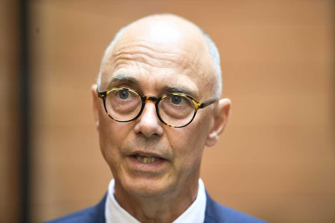 Rikard Larsson (S) säger att det är en svaghet att partierna i migrationskommittén inte får ihop ett brett förslag till ny asylpolitik