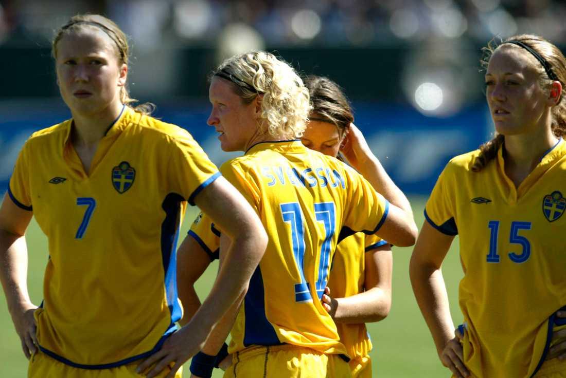 2003. Efter att Sverige och Therese Sjögran förlorat EM-finalen mot Tyskland två år tidigare blir det återigen finalförlust mot Tyskland, denna gång i VM.