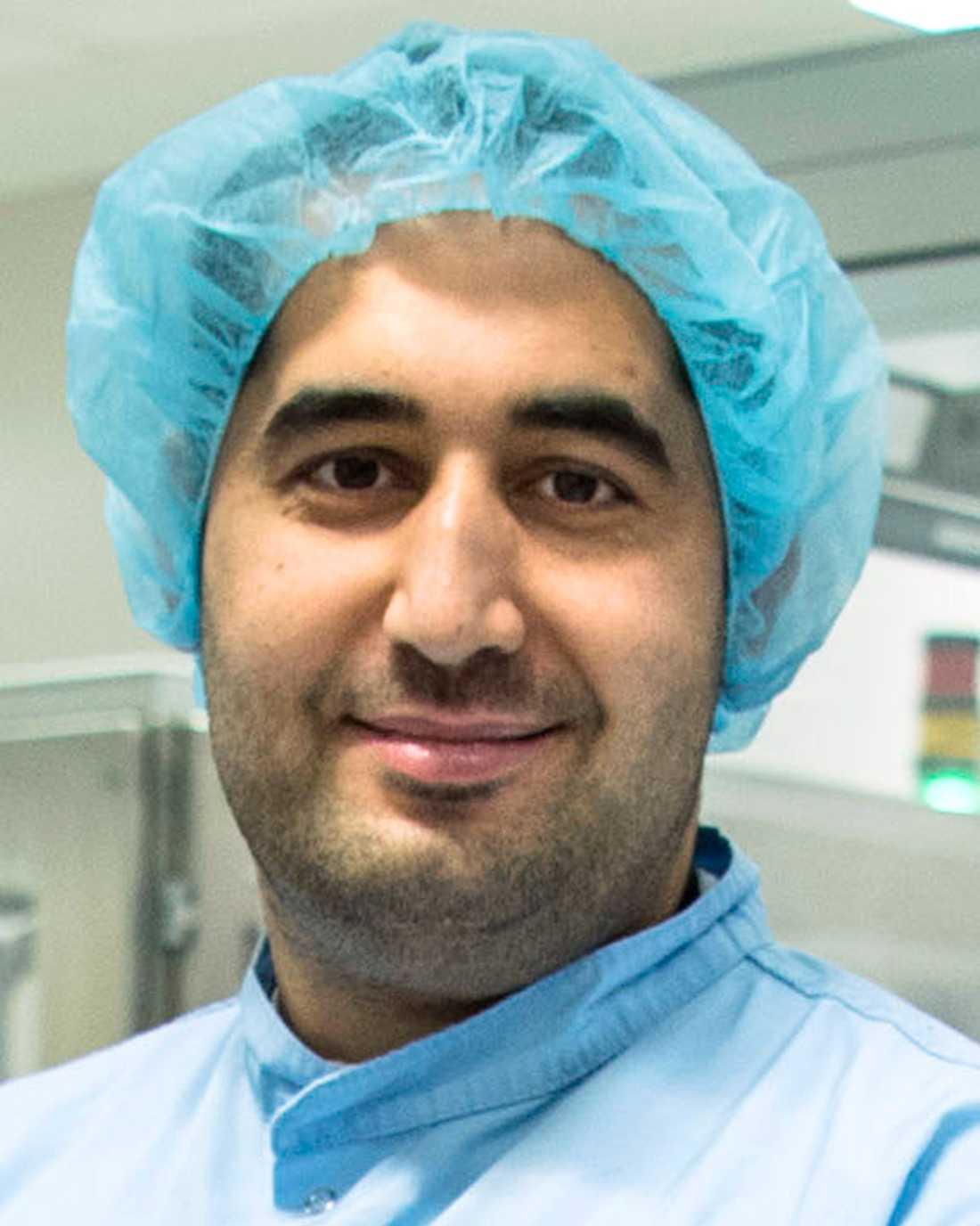 Fares Youssef kollapsade på jobbet och hjärtat slutade slå. Men kollegerna rusade till hjälp och räddade hans liv. – Jag är otroligt tacksam, säger han.