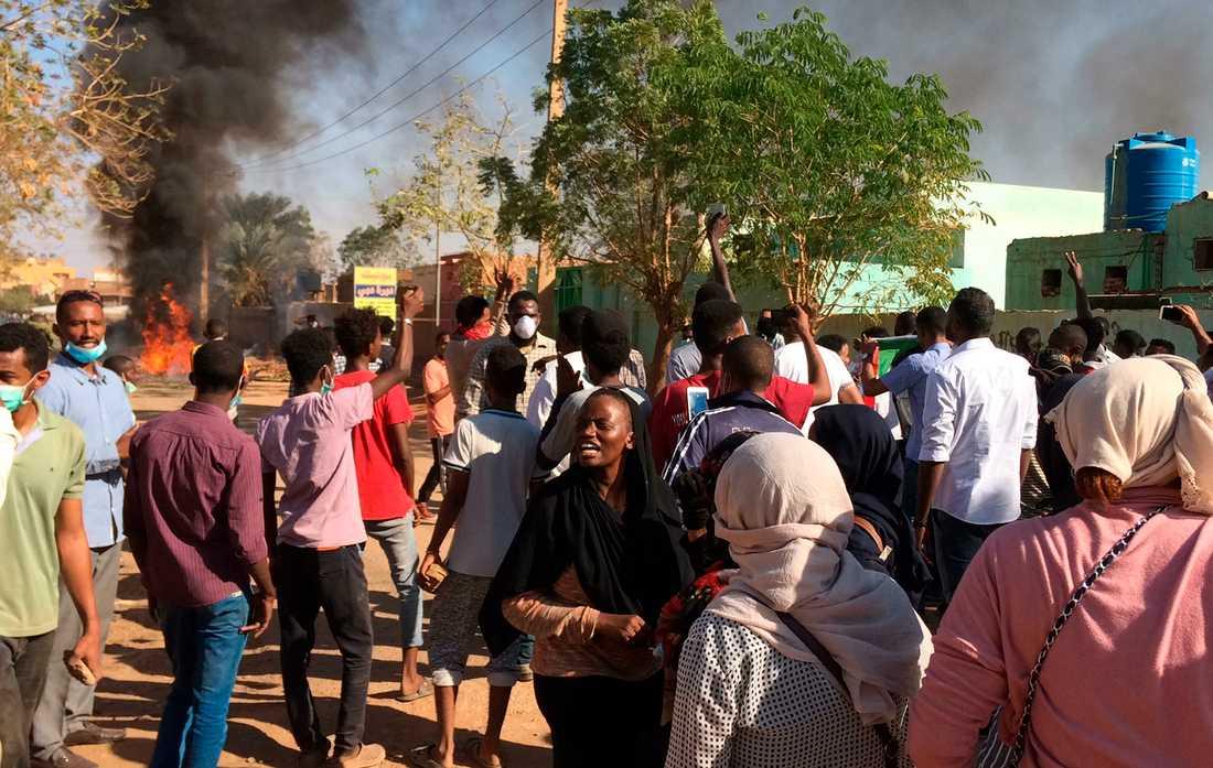 Demonstranter i Khartoum i en bild från den 13 januari.