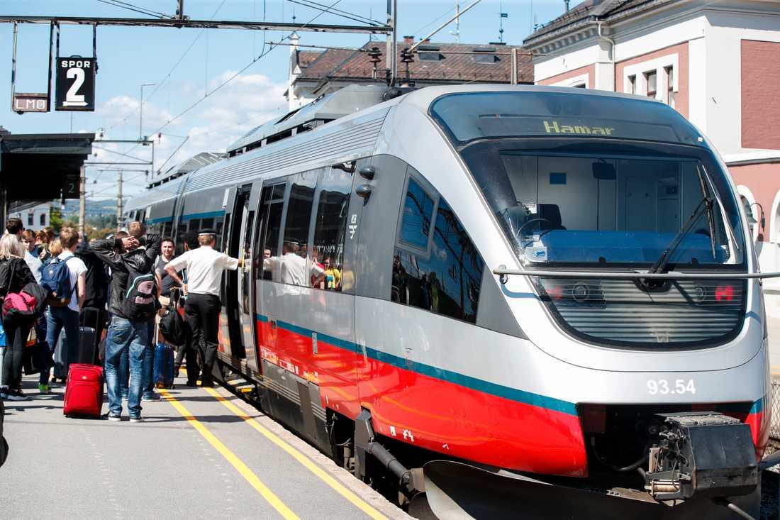 SJ Norge ska driva trafiken på bland annat Rørosbanen. Bilden från Hamar.