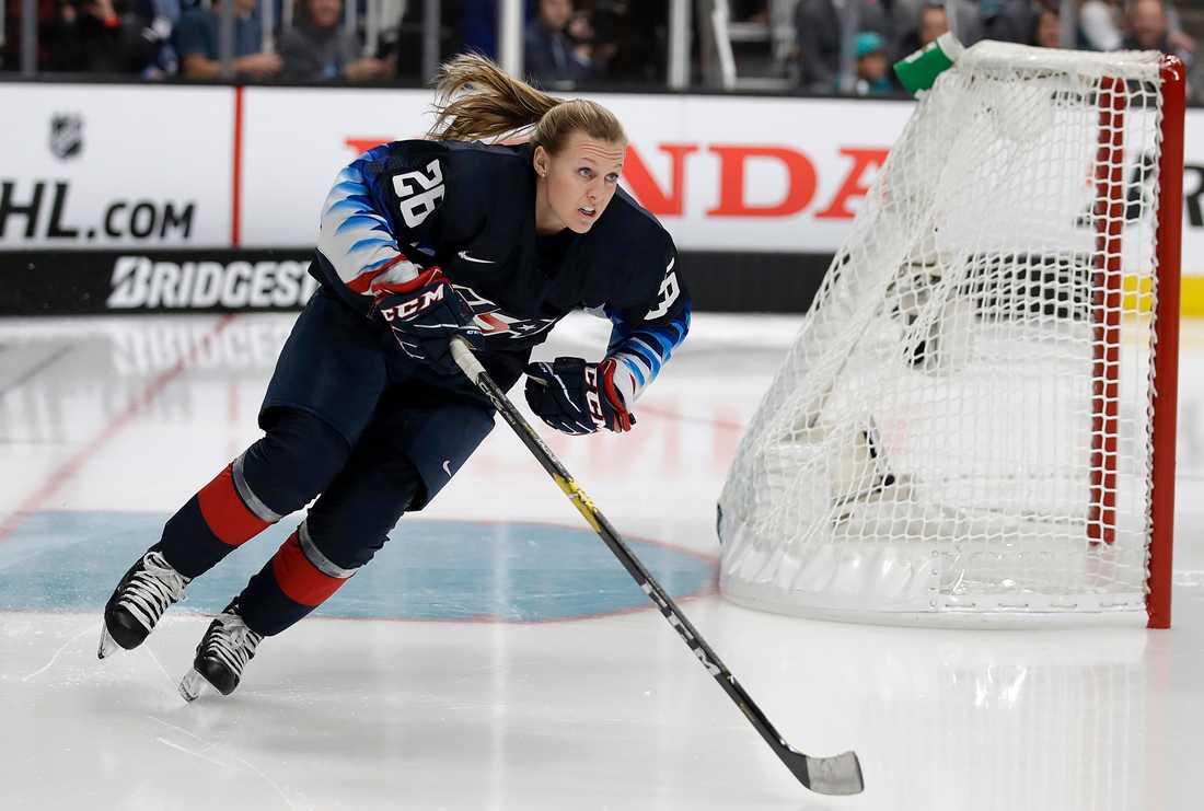 Kendall Coyne Schofield under NHL:s skicklighetstävling under Allstar-helgen 2019.