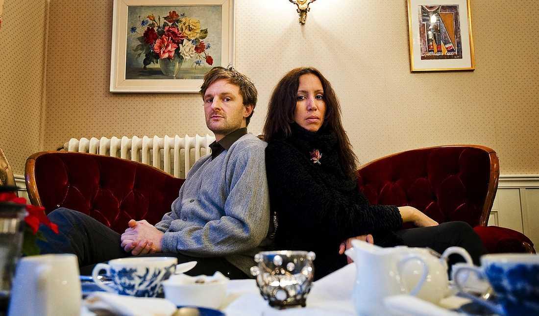 """Skivaktuella Theodor Jensen och Titiyo kan inte berömma varandra nog: """"Det var så grymt att jag började göra pussljud ut i luften"""", säger Theodor om Titiyos sång."""