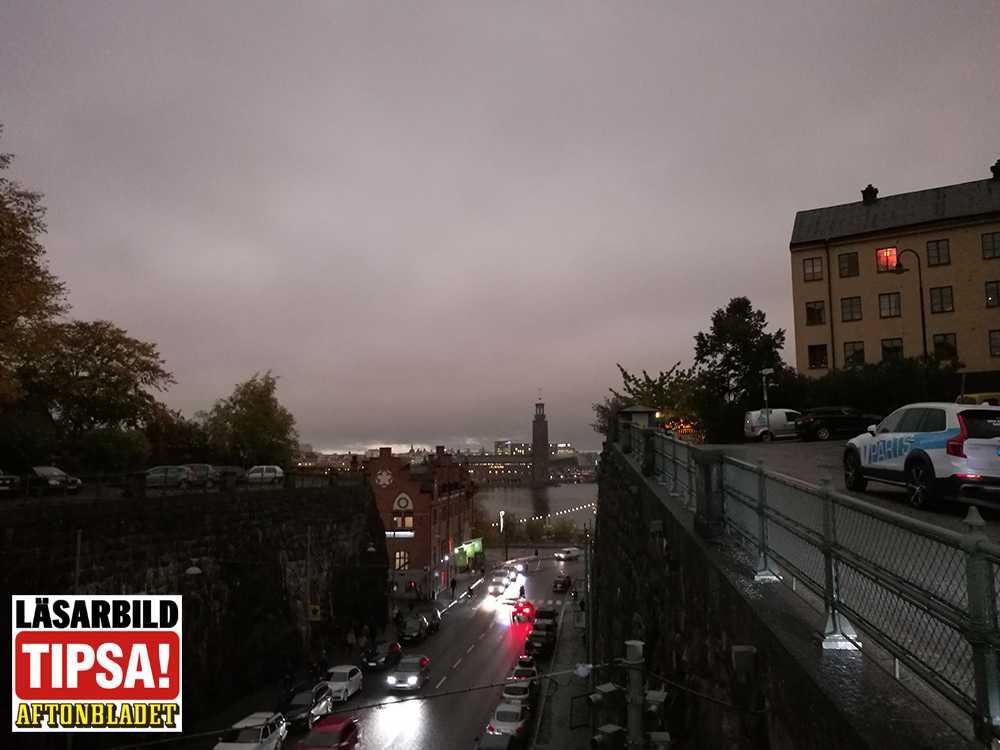 Läsaren Isabel fotade himlen klockan 09.00 i Stockholm.