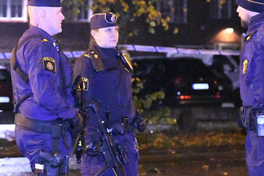 Nattklubb utrymd i Ängelholm efter misstänkt bomb.