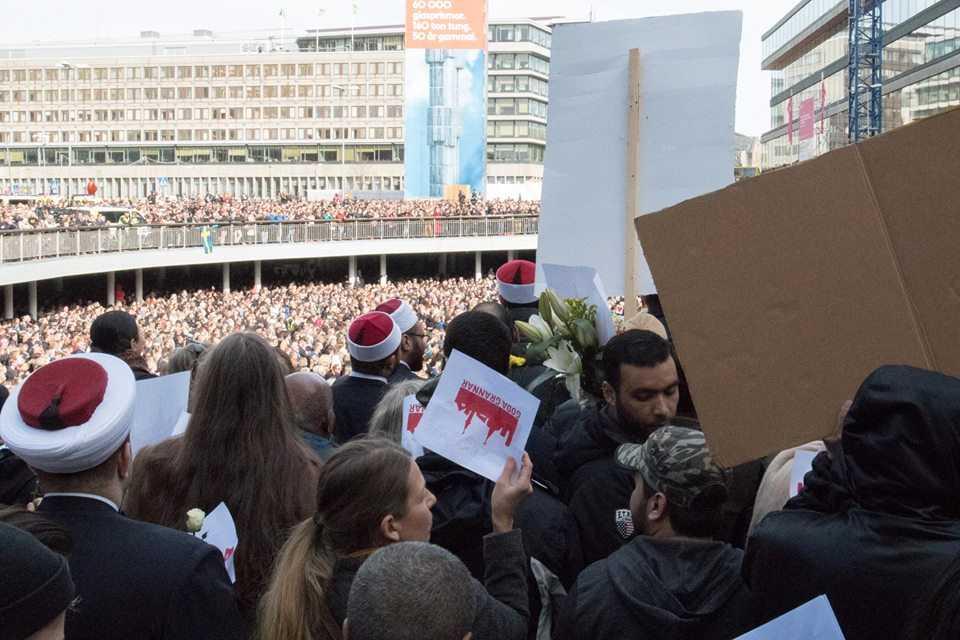 Imamer, präster och volontärer deltog i manifestationen ihop.