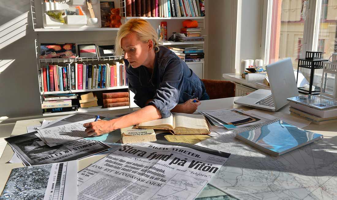 Bea Uusma har forskat kring Andrées polarexpedition i 20 år och skrivit en bok om upptäckarnas öde. Nu har hon hittat nya fynd i jakten på att lösa gåtan. Arkivbild.