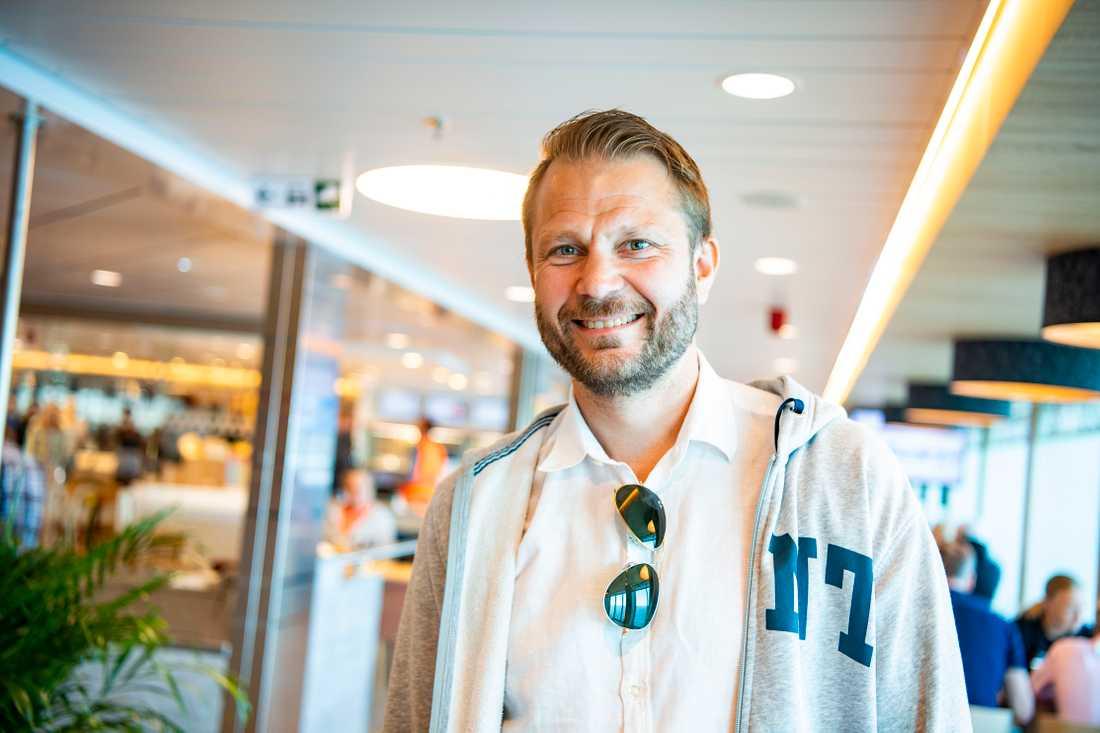 Anders Gustavsson är på väg till Gotland för att träffa sin son.