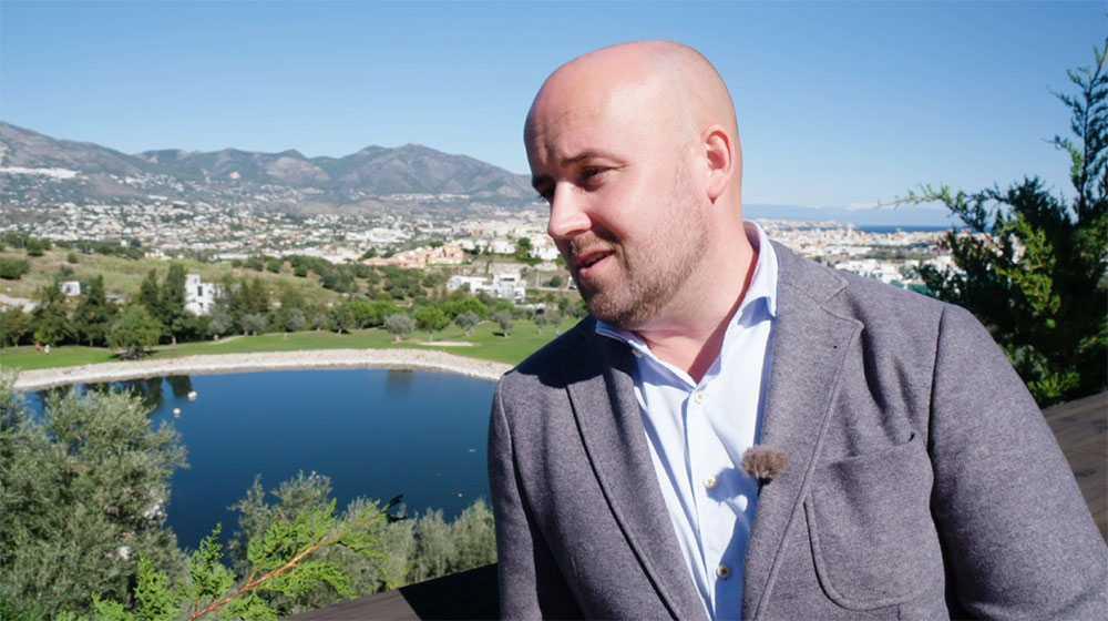Fredrik Kristensson är mäklare på Carl Alex Partners.
