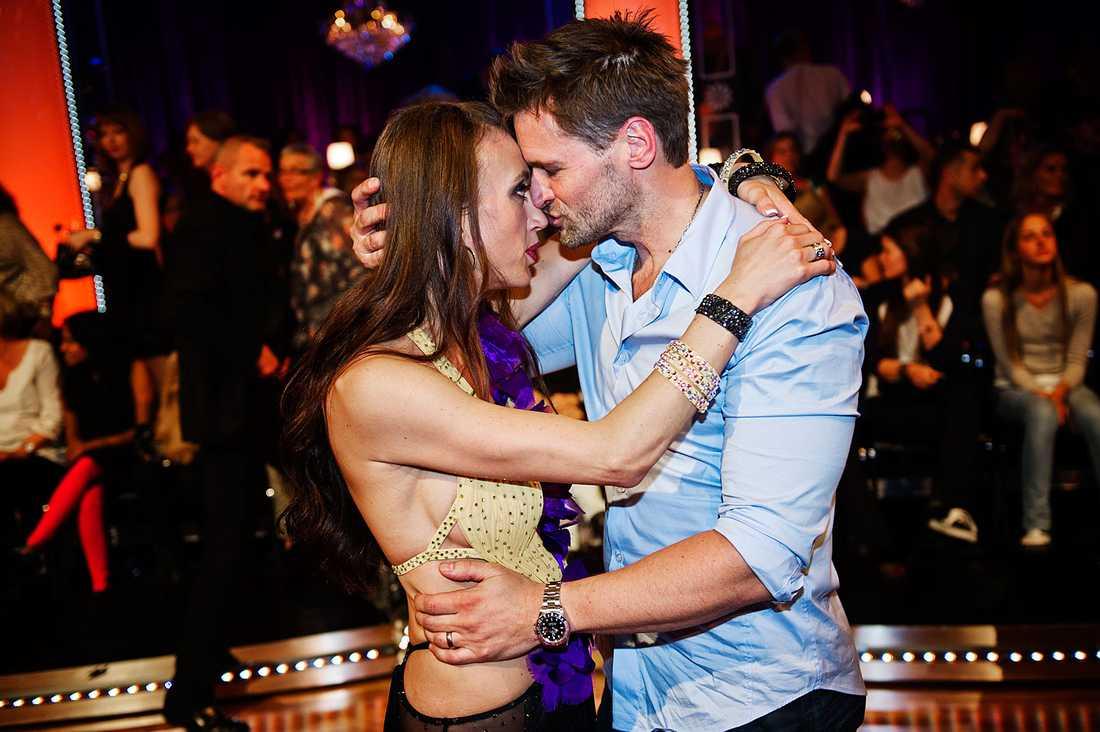 """Martin Melin och hustrun Camilla Läckberg i """"Let's dance""""."""