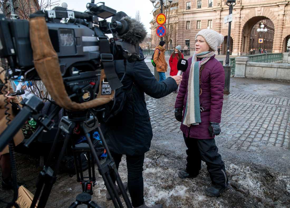 Det är som en sju timmar lång presskonferens varje fredag, säger Greta Thunberg.
