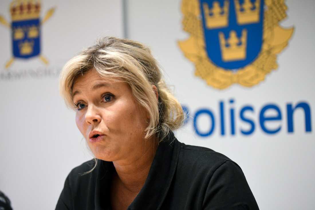 Kriminalinspektör Maria Blomkvist.