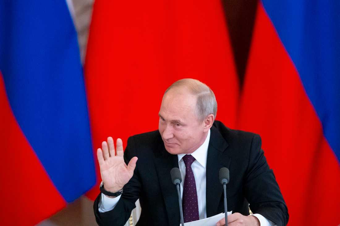 Dags att vända blad, tycker Vladimir Putin. Arkivbild.