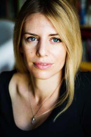 Författaren och debattören Kajsa Ekis Ekman har enligt uppgifter varit fängslad i Israel sedan i söndags.