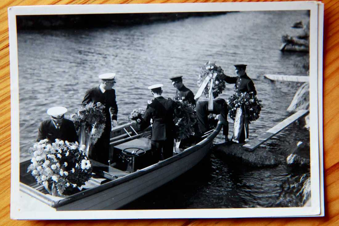 Minnesceremonin intill haveriplatsen vid Stora Lund strax utanför Ödeshög den 6 augusti 1937 var välbesökt.