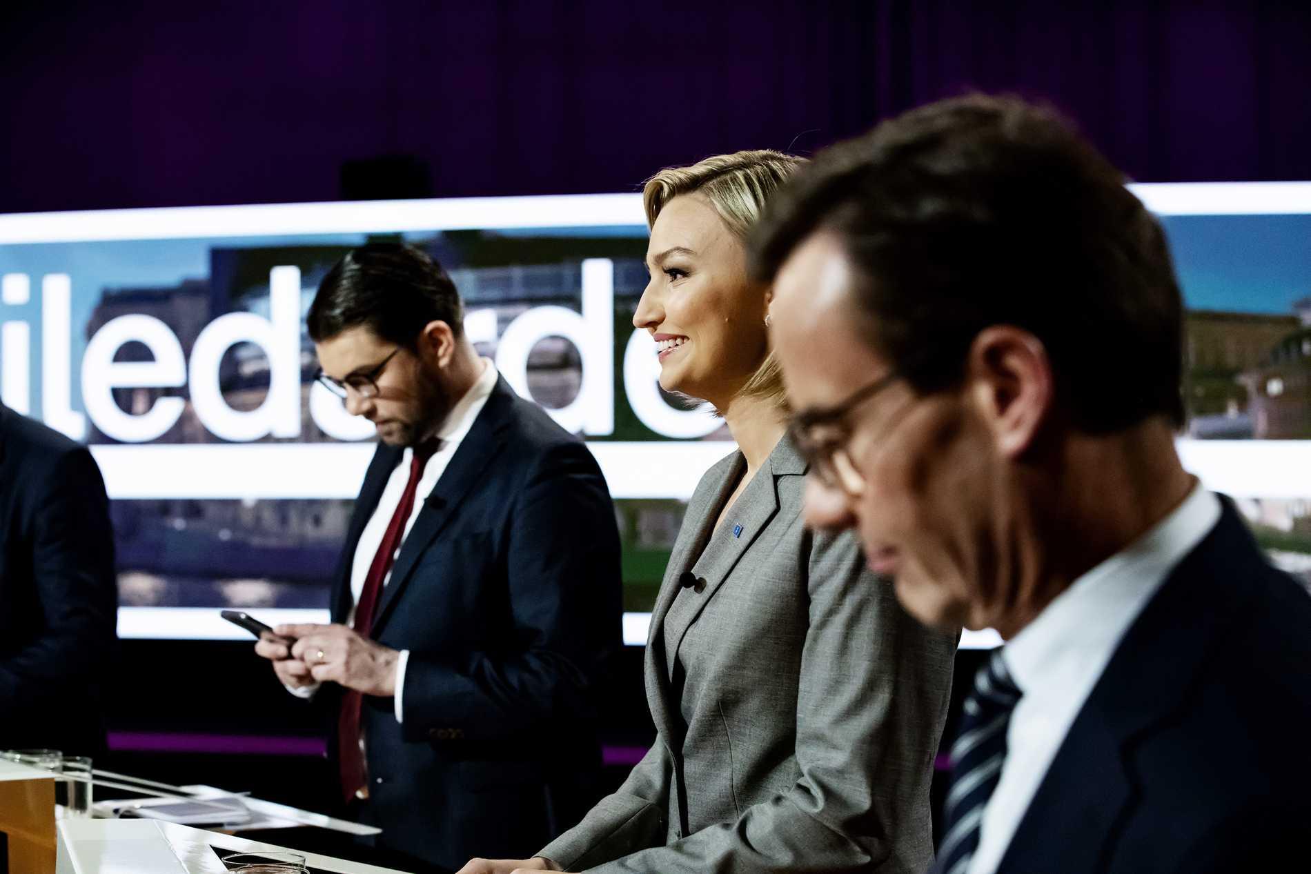 Jimmie Åkesson (SD) kommer att kräva inflytande för att stötta en M-ledd regering.