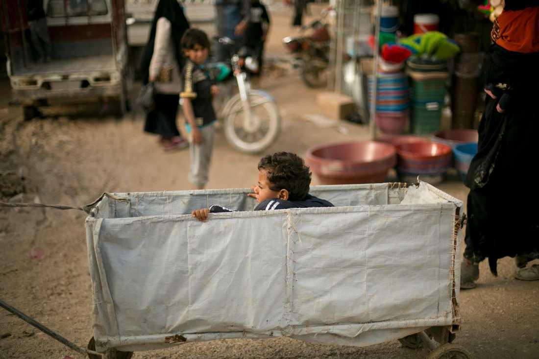 Det finns svenskar bland de många barnen i al-Hol-lägret. Arkivbild.