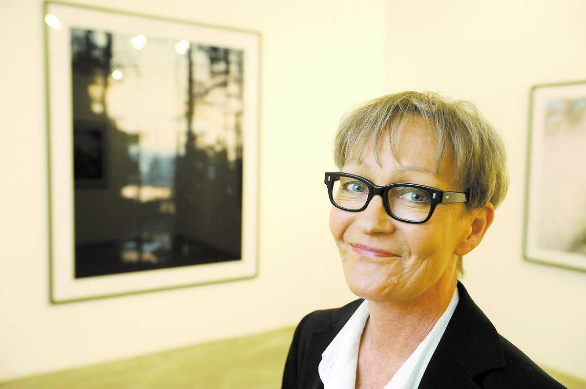 Ilona Anhava har köpt ett exemplar av filmen för 30 000 kronor.