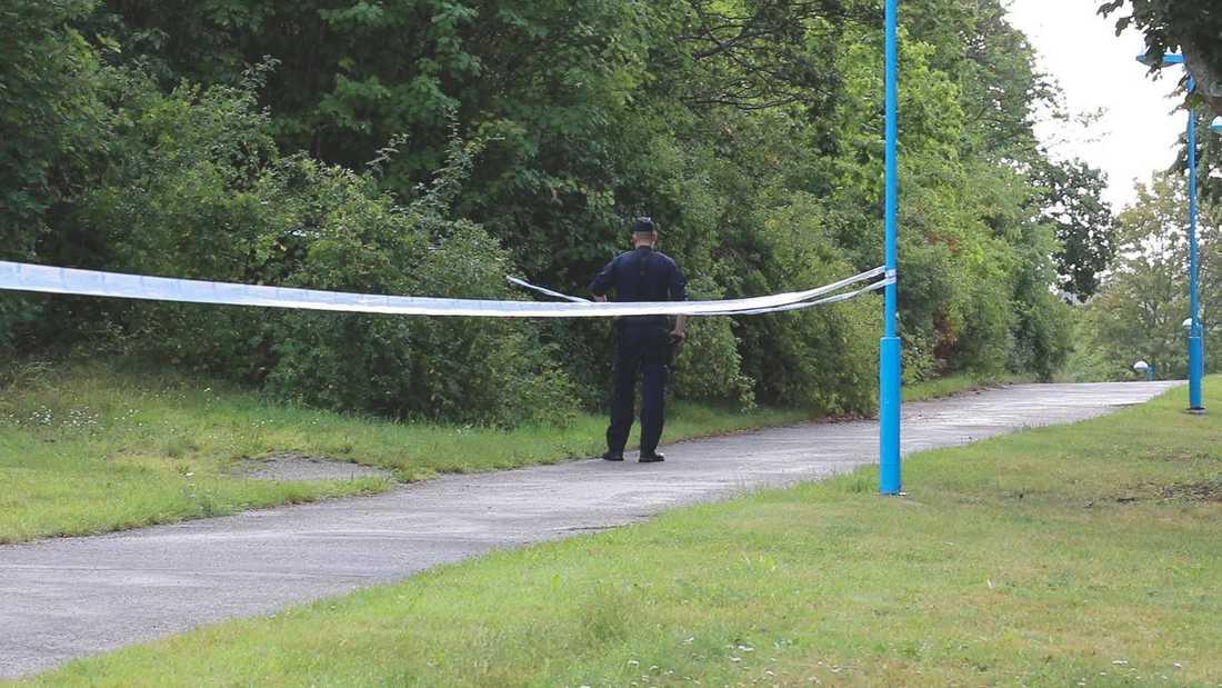 På onsdagsmorgonen hittades en man död i Stockholm. Enligt uppgifter till Aftonbladet blev mannen skjuten.