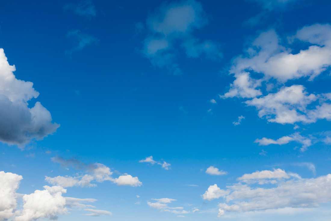 Mängden koldioxid ökar stadigt i atmosfären i takt med att vi använder fossila bränslen.