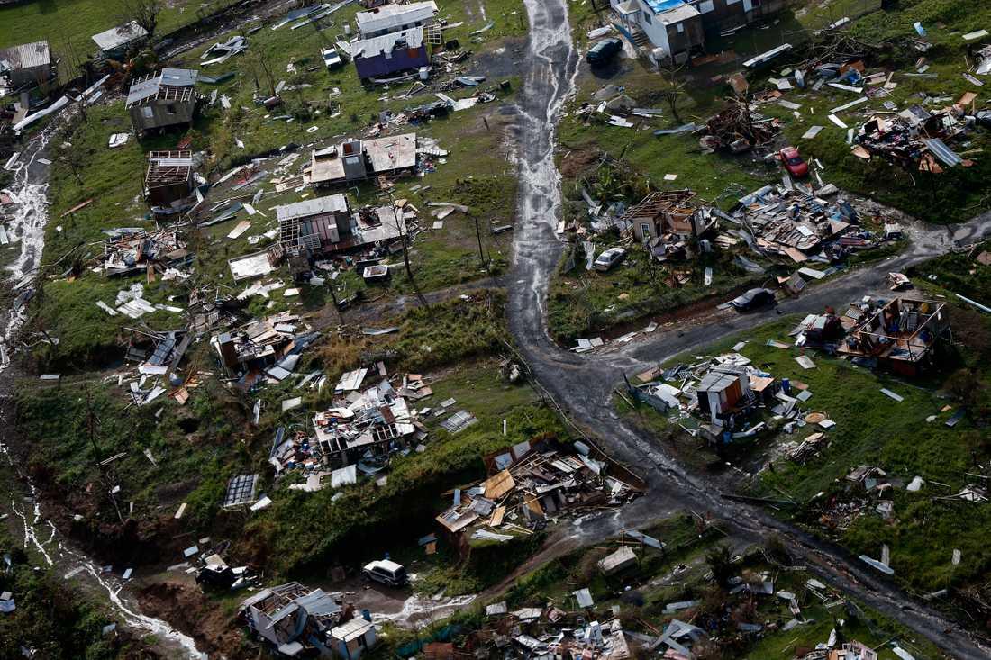 Samhällen förstörs i naturkatastrofer med koppling till extrema väderhändelser. Bilden är från Puerto Rico, där runt 3000 människor omkom under orkanen Maria 2017. Arkivbild.