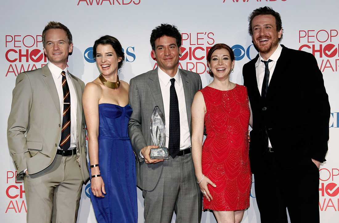 "Neil Patrick Harris, Cobie Smulders, Josh Radner, Alyson Hannigan och Jason Segel har huvudrollerna i ""How I met your mother""."
