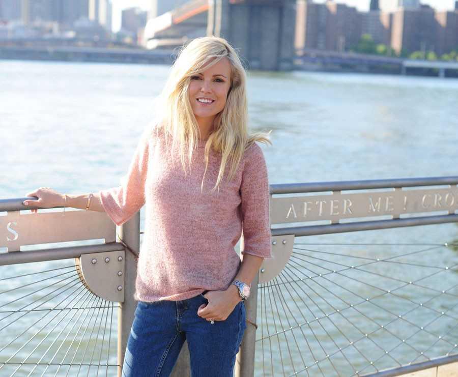 Tröja - Filippa K, Jeans -  H&M, Skor - Stubbs & Wootton.
