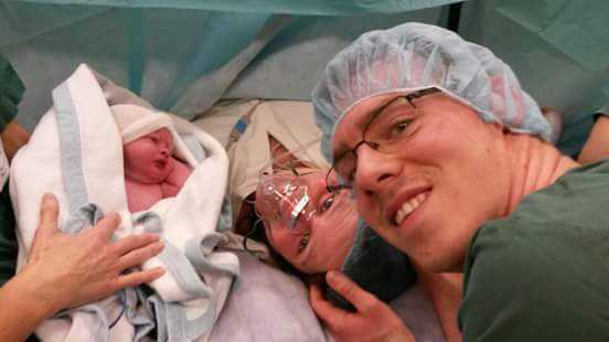 Jasmine och hennes sambo hade bara några veckor på sig att förbereda sig inför förlossningen.