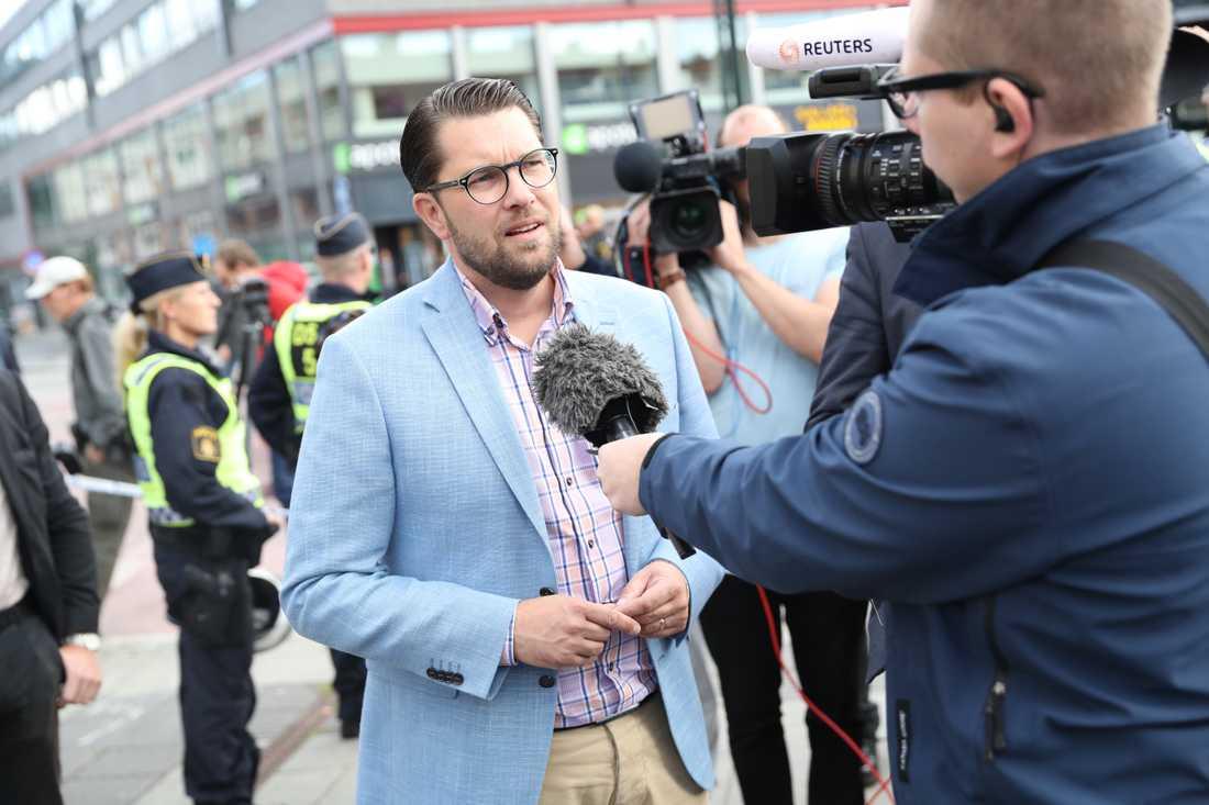 Jimmie Åkesson på plats i Malmö.