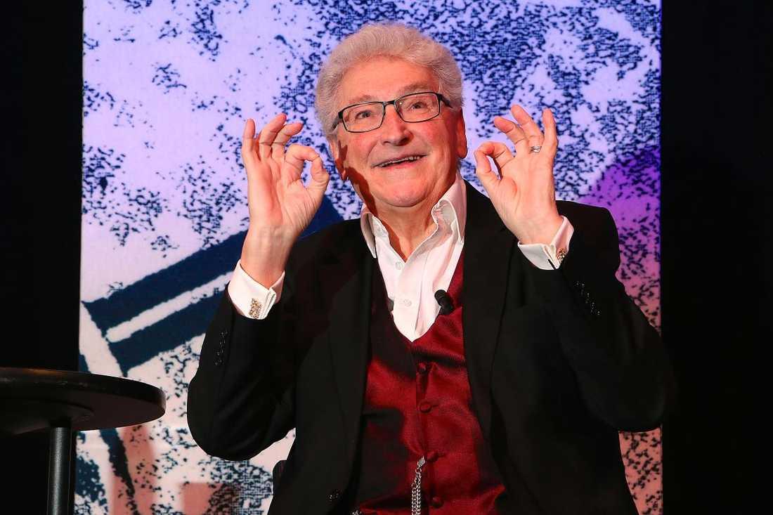 En av vår tids mest älskade underhållare somnade in i lördags efter en lång kamp mot cancer. Magnus Härenstam blev 73 år gammal.